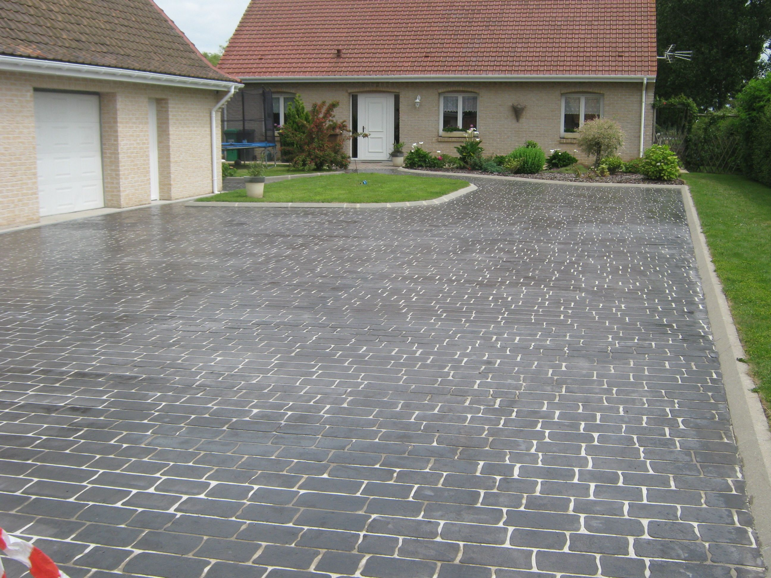 Articimo imprim all e pinterest ardoise le motif for Colorant pour beton exterieur