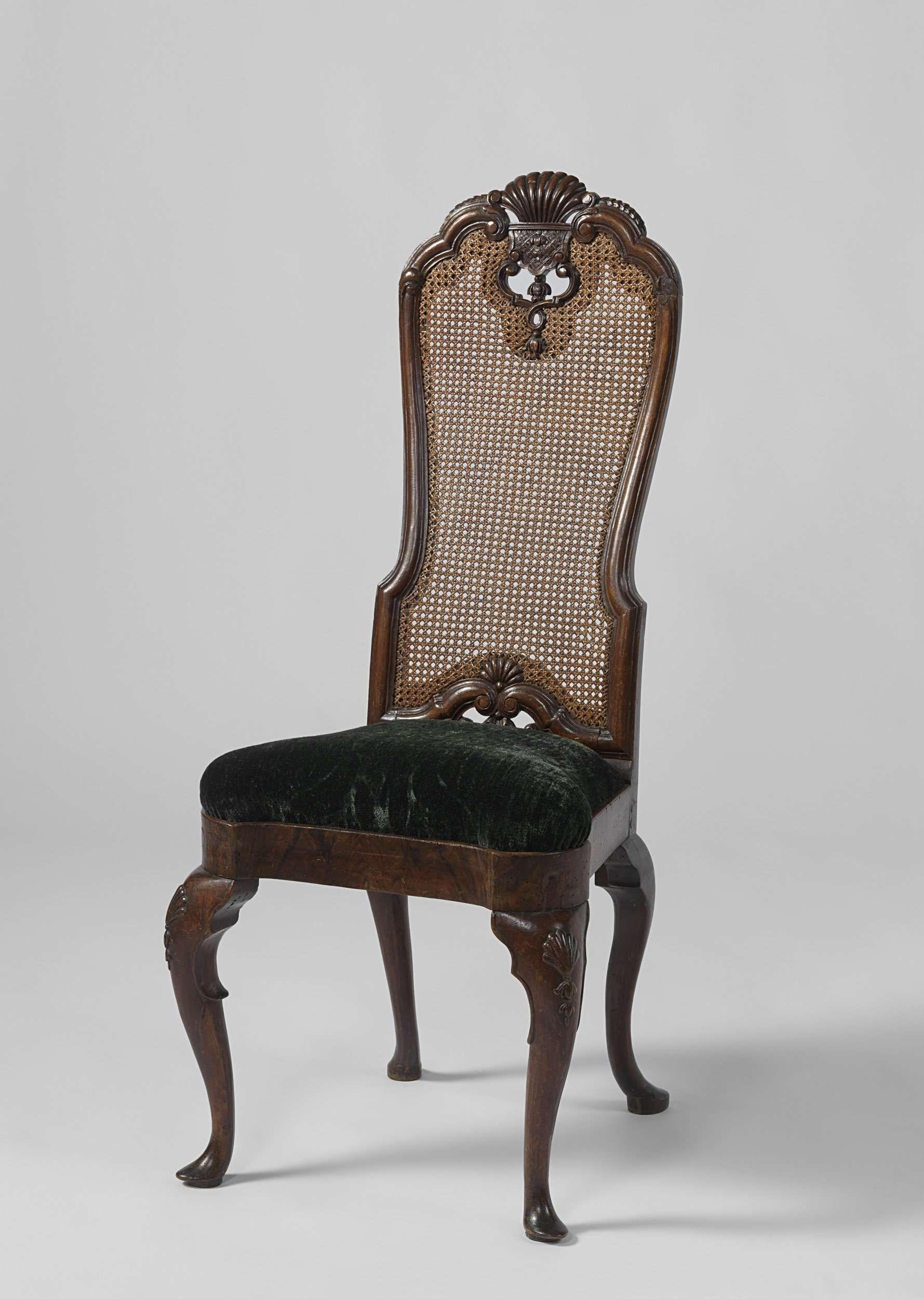 Stoel met schelpmotief anoniem 1700 1750 antiques for Mobili antichi 1700