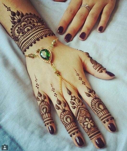 25 Magnificent Henna Cuff Designs For Inspiration: Love The Wrist Mehndi Design 2018