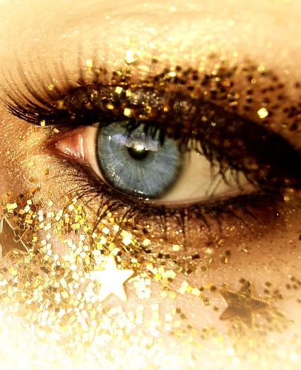 Sooo Much Glitttter Eyes Gold Eyes Beautiful Eyes