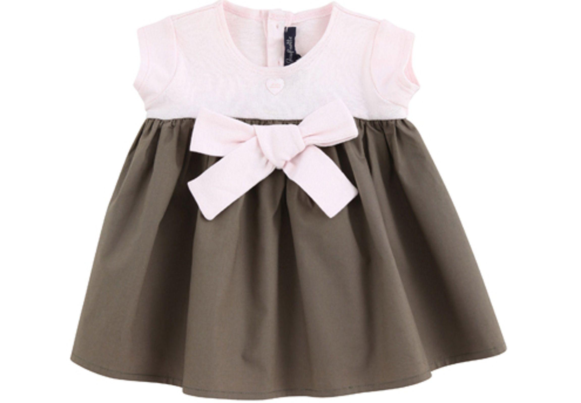 aecf1d23813 Dressing bébé  tendance vestimentaire des bébés