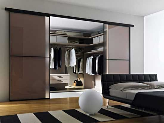 Walk In Wardrobe (with See Through Tinted Double Partition Sliding Door)