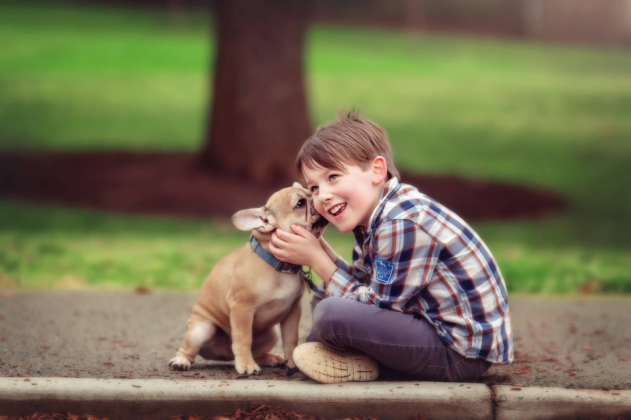 Cute Photos Kids Dogs Need A Pick Me Up These Adorable Photos Of Kids And Dogs Will Do The Trick In 2021 Kid Friendly Jokes Funny Jokes For Kids Jokes For Kids