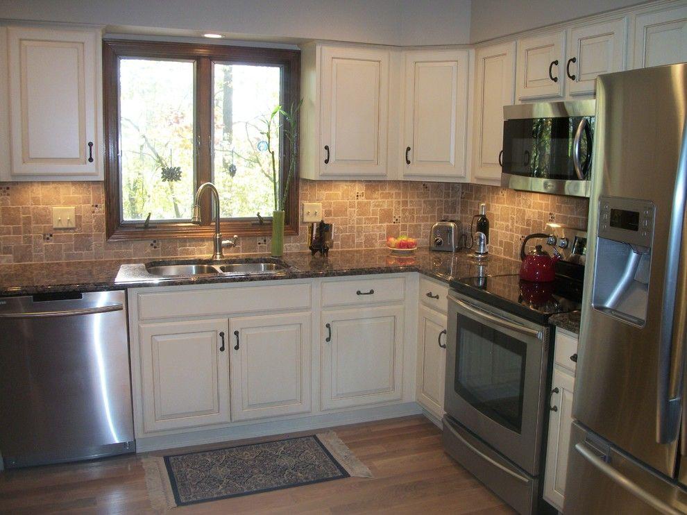Baltic Brown Granite Countertop Kitchen Traditional With Backsplash Cabinet S Top Granite Counte Brown Granite Countertops Kitchen Remodel Baltic Brown Granite