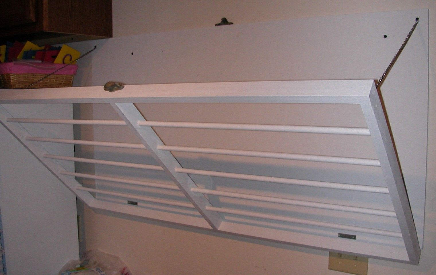 wall mounted laundry drying rack wall