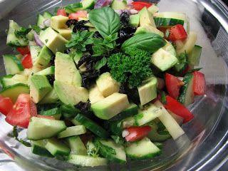 Gitta nyersétel blogja: Nyers vegán görög saláta