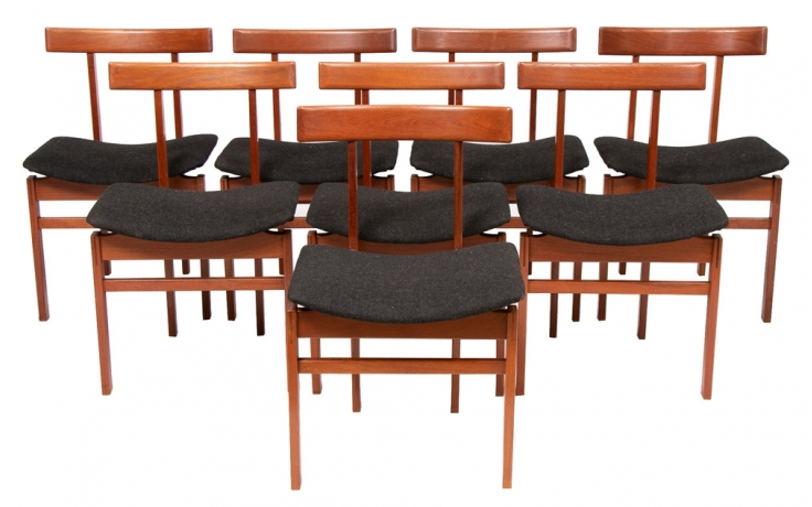 A Set Of 8 Danish Midcentury Model 193 Dining Chairs Designed By