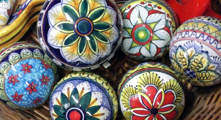 Uova Di Ceramica Dipinte A Mano.Palle Di Ceramica Dipinte Per Natale Italy Majolica Deruta