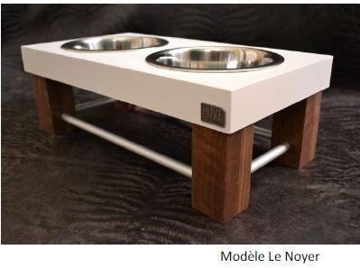 service table sur lev e huve le noyer les bols sont inclus avec tous les services de table. Black Bedroom Furniture Sets. Home Design Ideas