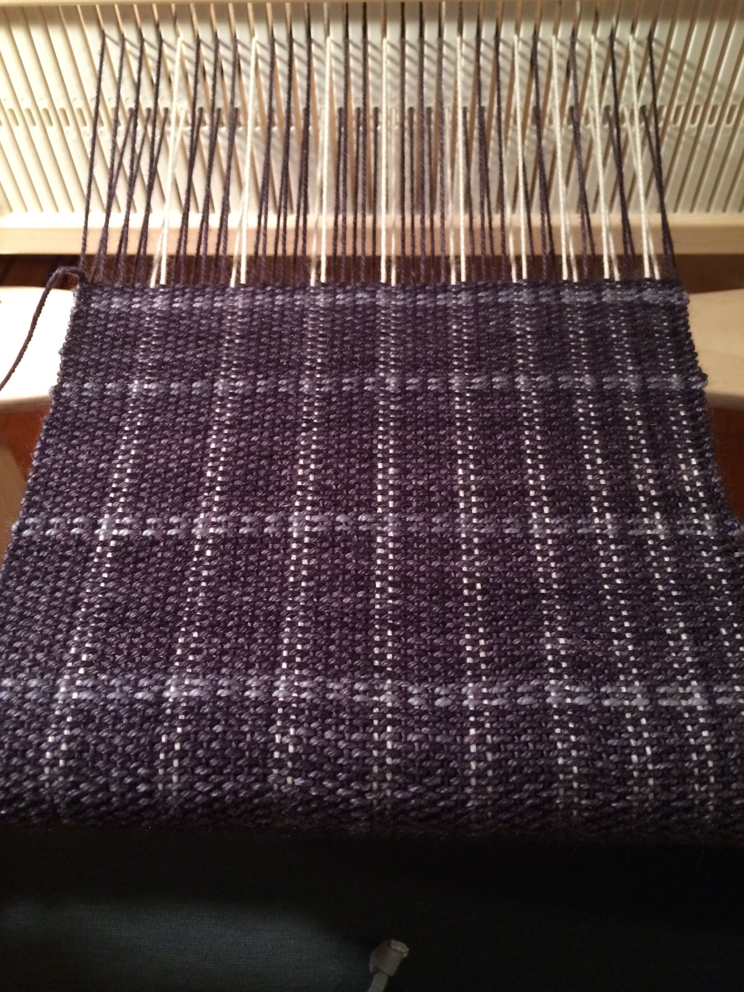 Grays On Cricket Loom Rigid Heddle Squishy And Yummy Yarns Cricket Loom Loom Weaving Rigid Heddle Weaving Patterns