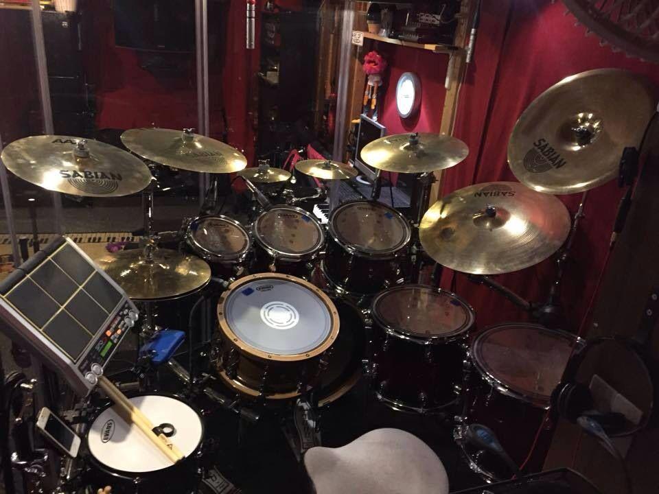 i would rock this set drums pinterest drums drum sets and rock. Black Bedroom Furniture Sets. Home Design Ideas