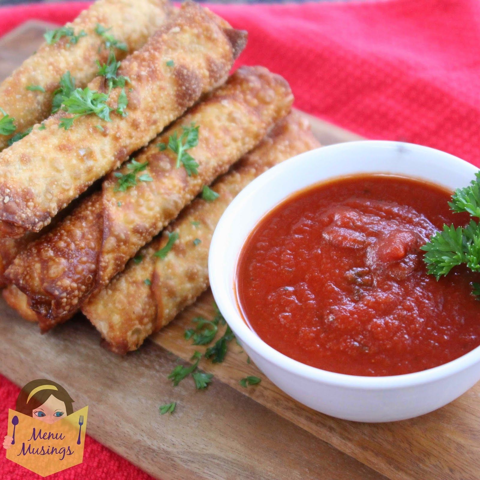 Step-by-step photo recipe tutorial to making easy happy hour pizza rolls from egg roll wrappers, kid friendly food, easy appetizers, party food, tailgating food