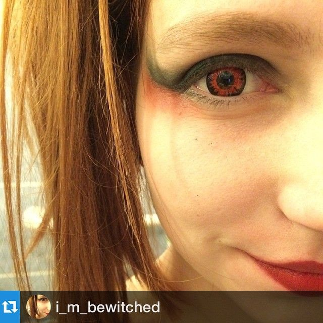 89641853b0d  Repost from  i m bewitched ・・・  Harley  Quinn inspired  Makeup ❤ My   lenses are  Volturi from  Colourvue  halloween