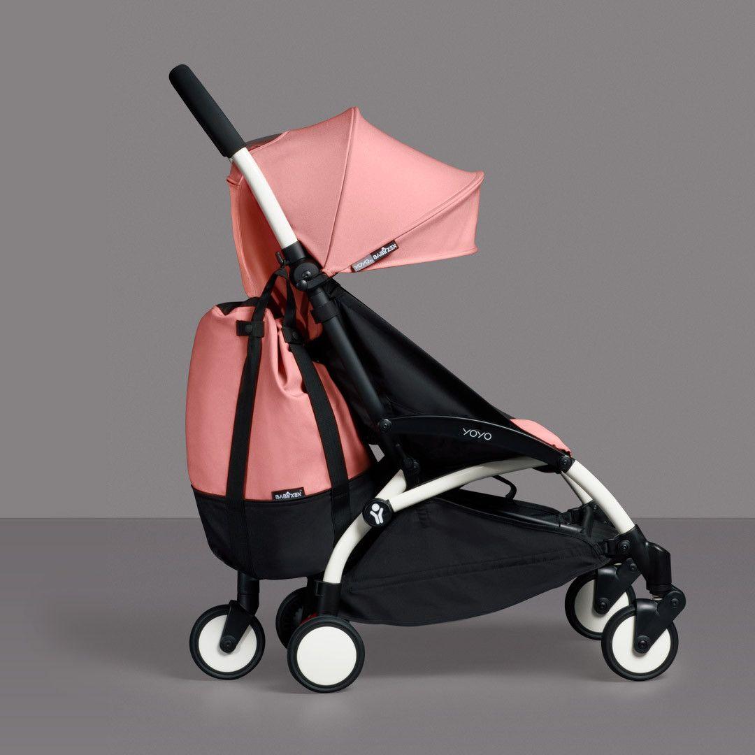 f7b21cd51266 Una bolsa Yoyo para poner todas tus cosas dentro mientras paseas bebé