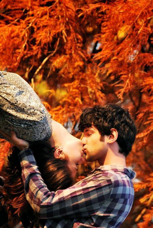 Autumn Couple Cute Kiss Love Sweet Favim 85330 Large 500