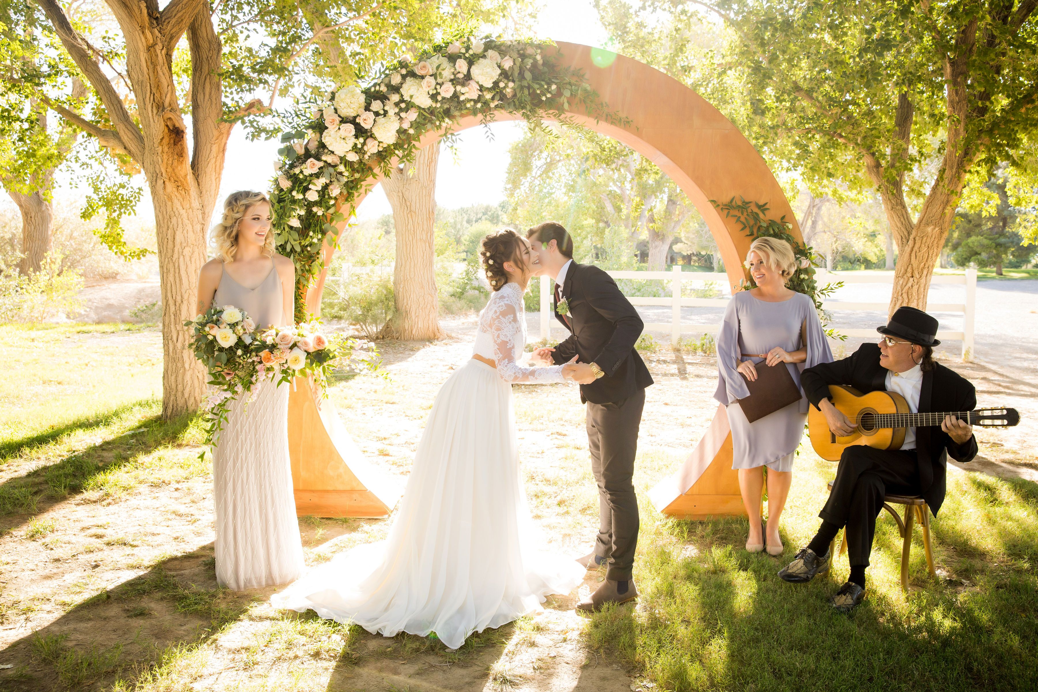 An Intimate Wedding At Floyd Lamb Park In Las Vegas Coordination Photo Video Cactuscollectiveweddings I Vegas Wedding Las Vegas Weddings Wedding Minister