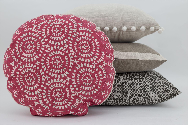 Neutral theme with a pop of colour with #Fuchsia Mandalha cushion