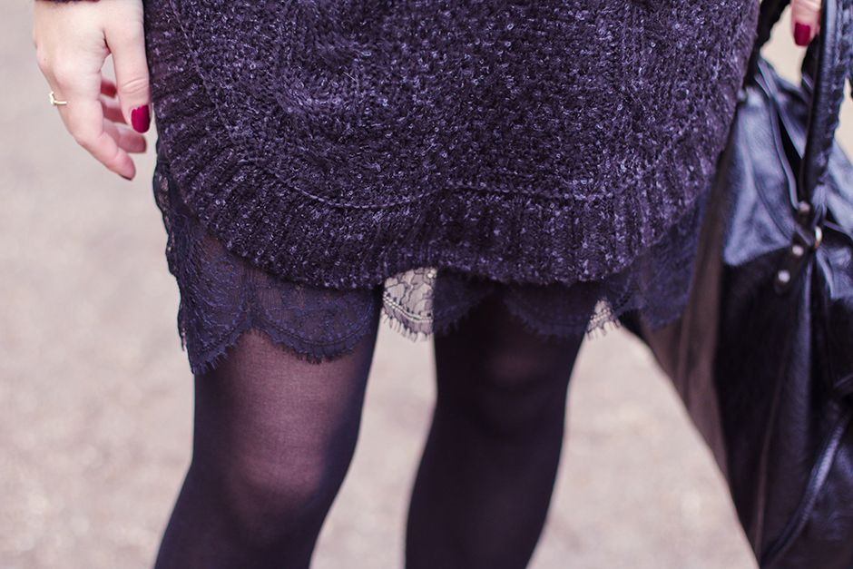 Turtle_Neck_and_Lace_7