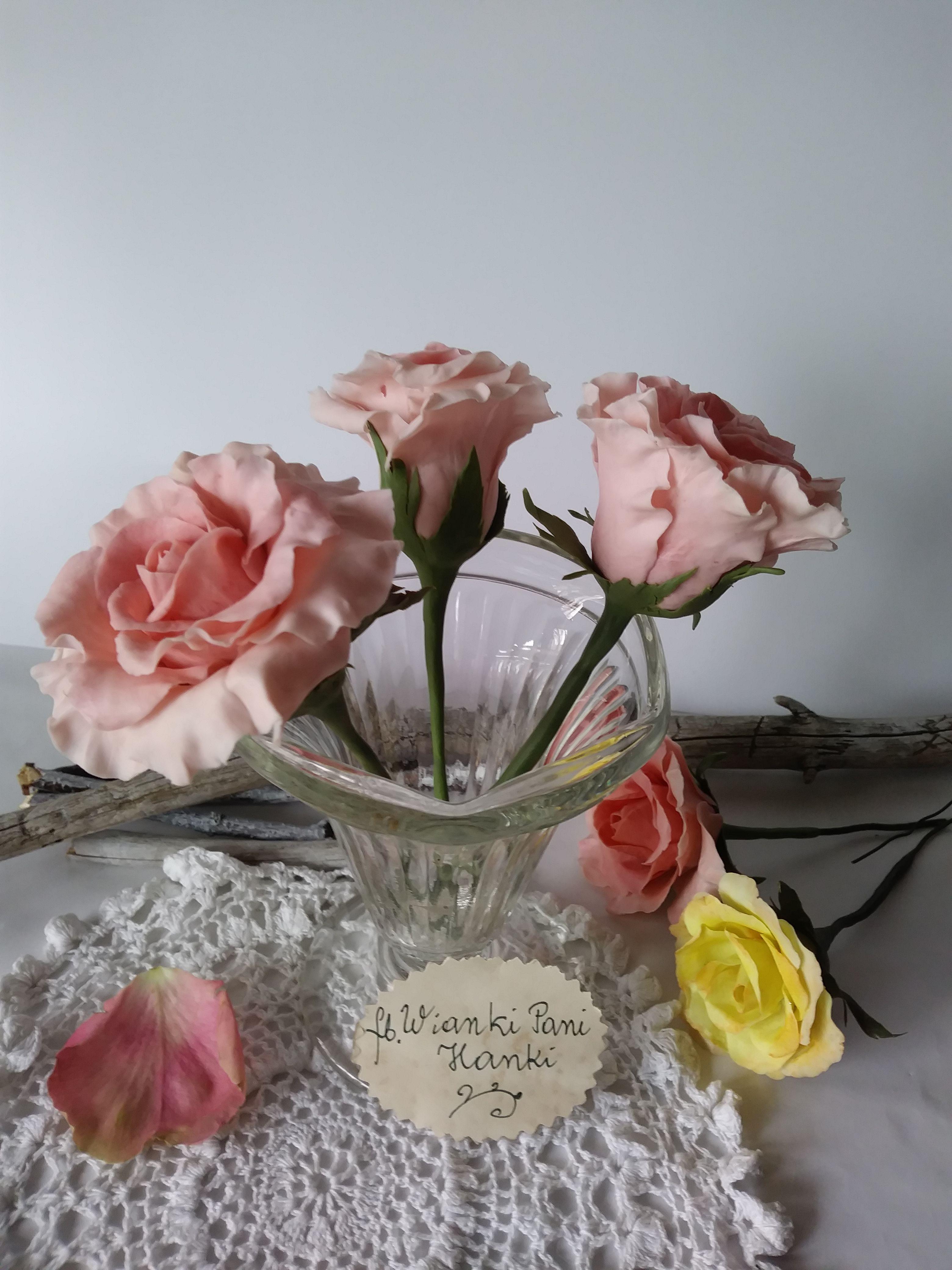 Roze Recznie Robione Z Zimnej Porcelany Porcelanafria Coldporcelain Table Decorations Decor Glass Vase