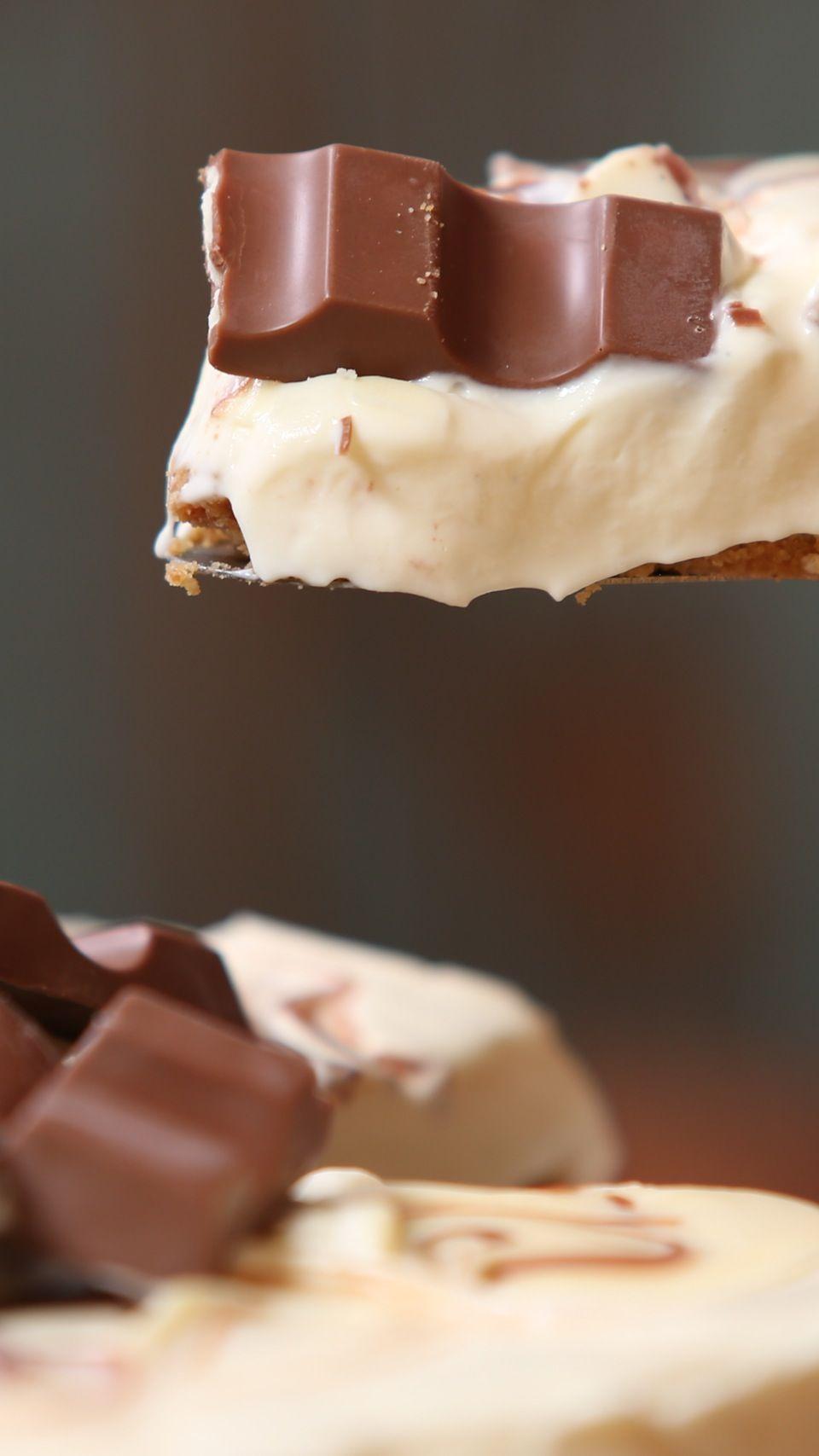 Kinder Cheesecake | Recipe in 2020 | Cheesecake recipes ...