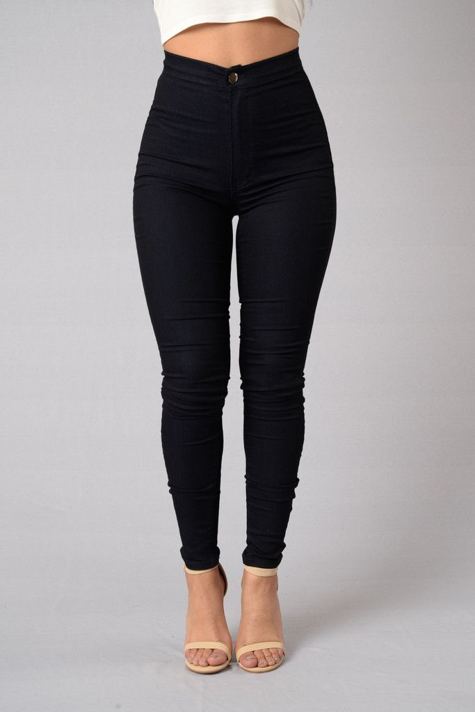 561a8f0131eb •M e E n c a n t a• Black High Waisted Jeans Outfit