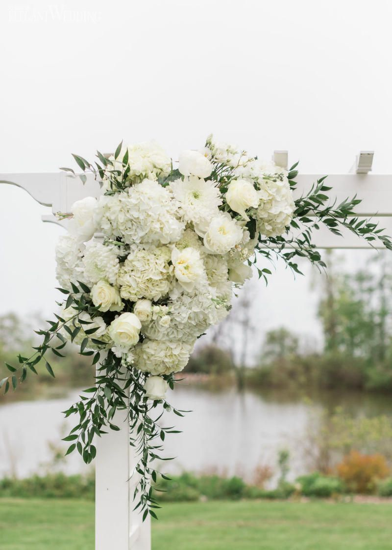Classic Romantic Wedding With Shades Of White Elegantwedding Ca Wedding Arch Flowers Classic Romantic Wedding Romantic Wedding Decor