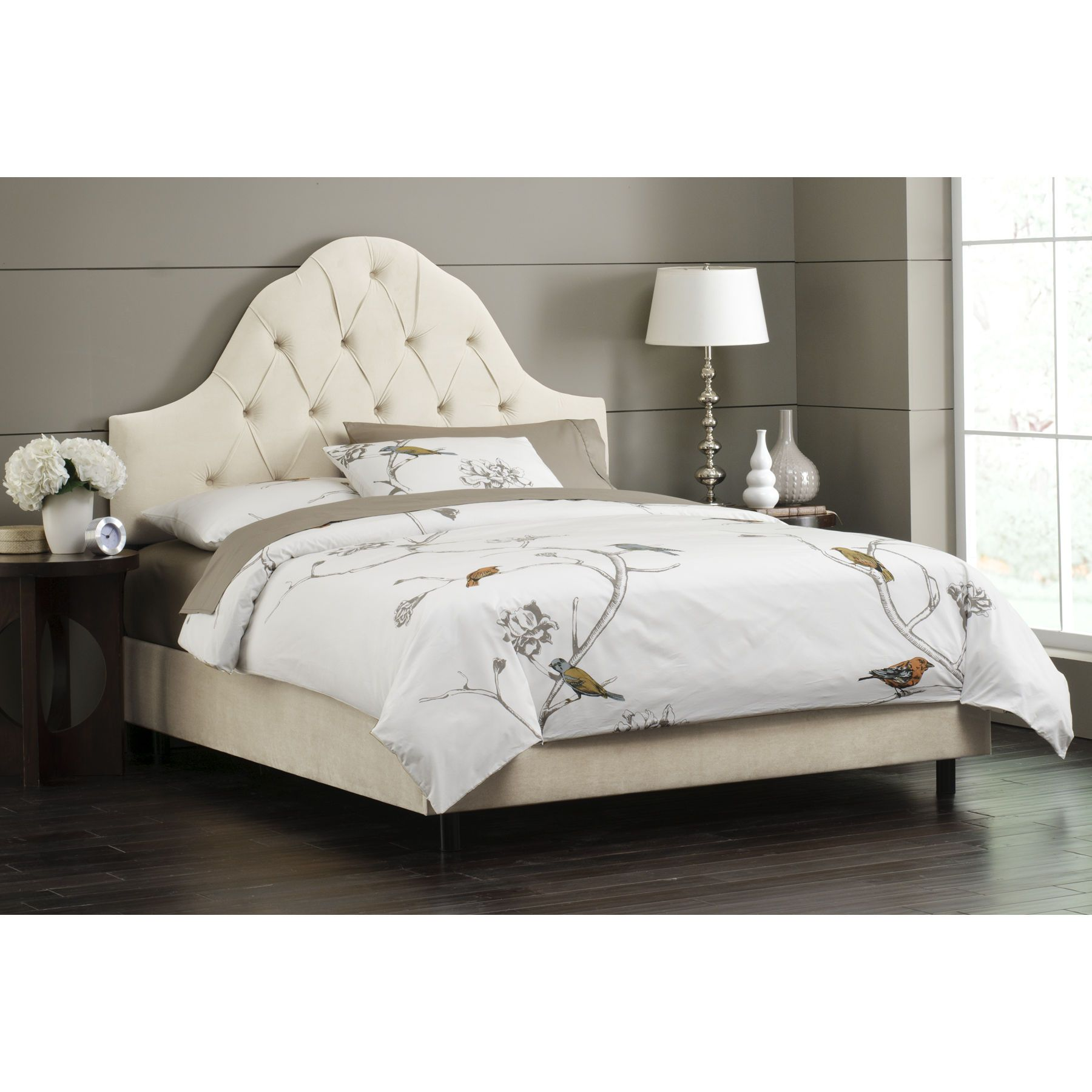 Skyline Furniture Tufted High Arch Headboard In Pearl