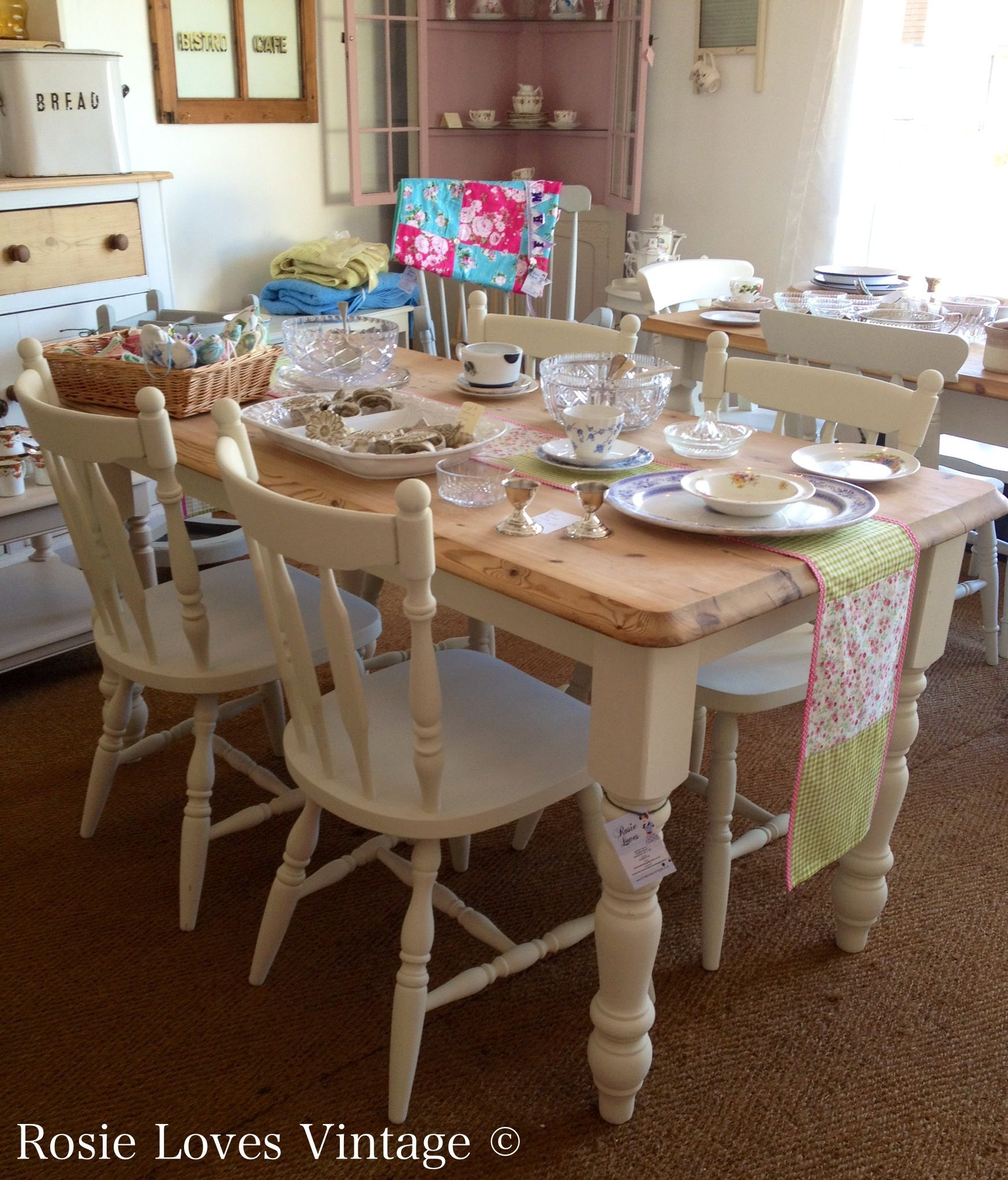 Shabby Chic Vintage Farmhouse Pine Table And Four Painted Chairs At Rosielovesvintag Shabby Chic Dining Tables Painted Dining Table Farmhouse Style Dining Room