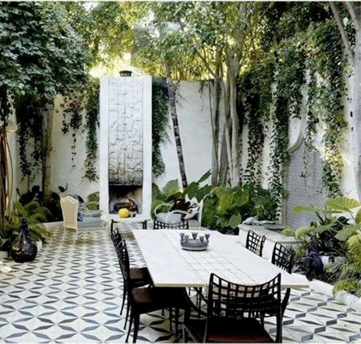 Terraza Con Muros Altos Outdoor Dining Spaces Patio Outdoor Rooms