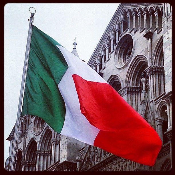 Duomo e tricolore (2 giugno 2013).