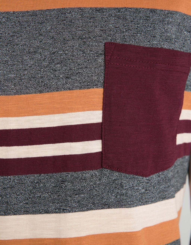 T-shirt riscas multicolor detalhe bolso - T-shirts - Bershka Portugal