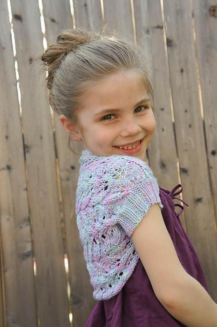 Brynna Shrug (With images)   Shrug knitting pattern ...
