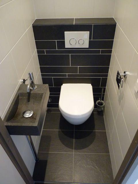 Mooi kleurgebruik. Echter het voegwerk (aan de ach... - #aan #ach #de #Echter #het #kleurgebruik #Mooi #toilettes #voegwerk #darkflooring