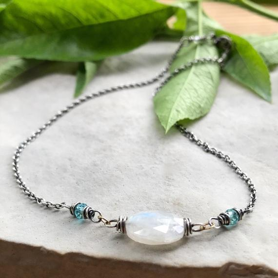 Bracelet made of stones gemstone Apatite and Silver 925 charms and beads