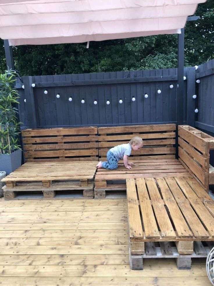 Outdoor Pallet Sofa Pallets