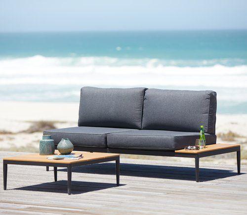 Sohvaryhmä LEVANGER alumiini/artwood | JYSK Pöytä L79 x P79 x K45 cm ja yhteensopiva 2-istuttava sohva integroidulla sivupöydällä. Sis. laadukkaat pehmusteet kestävillä, struktuuriommelluilla polyesteripäällisillä