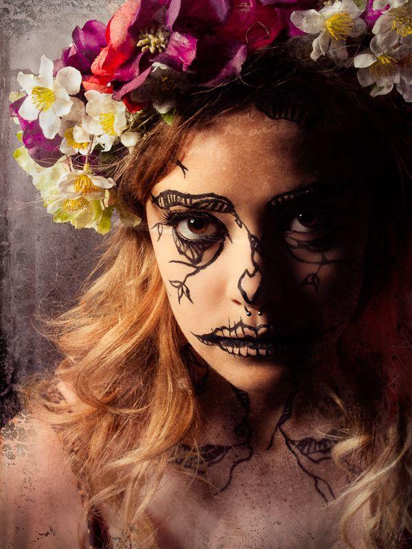 Strange Beauty - makeup by Hannah Journey    © 2012 Lloyd K Barnes