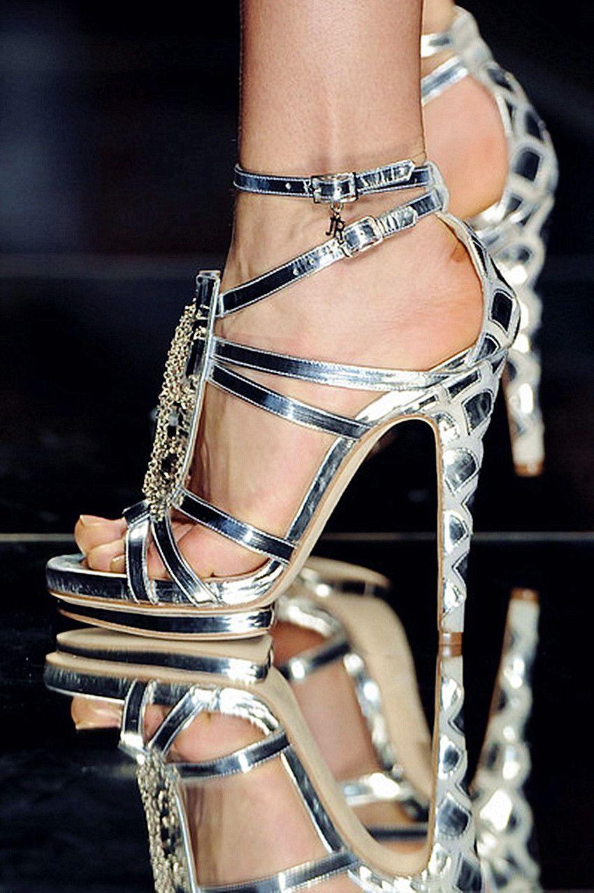 b5e433c4eb0f62 silver sandals Fab Shoes