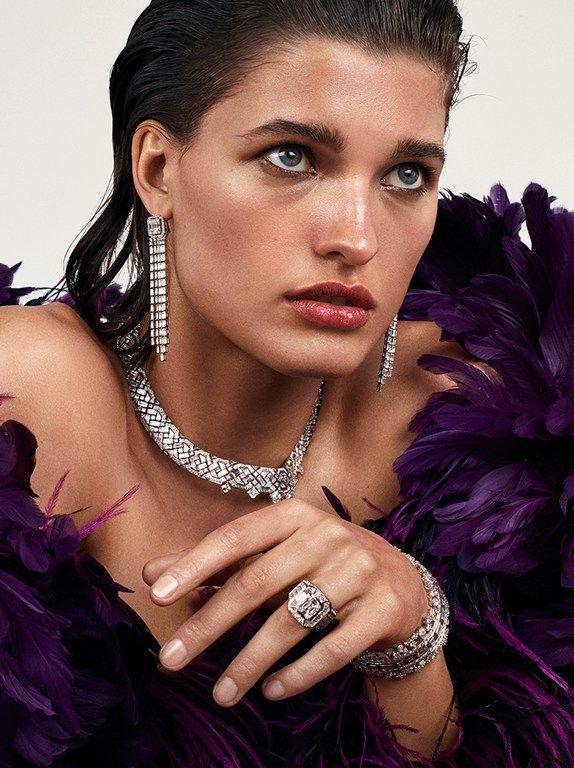 Photo of Vogue Paris, Editorial, Petros Petrohilos, Source: vogue paris, Editorial, Küns …