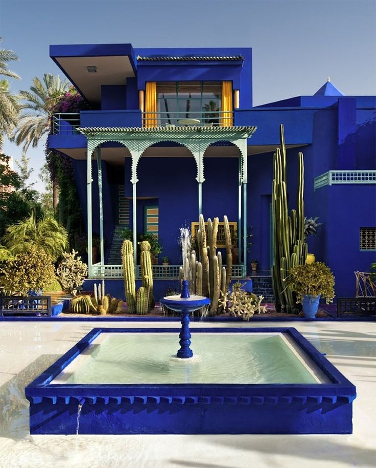 Cobalt & pale blue courtyard craving! Marrakech Morocco : Majorelle Garden