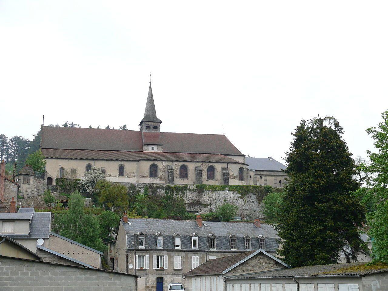 Aubusson (Creuse) Eglise Sainte-Croix  — Wikipédia