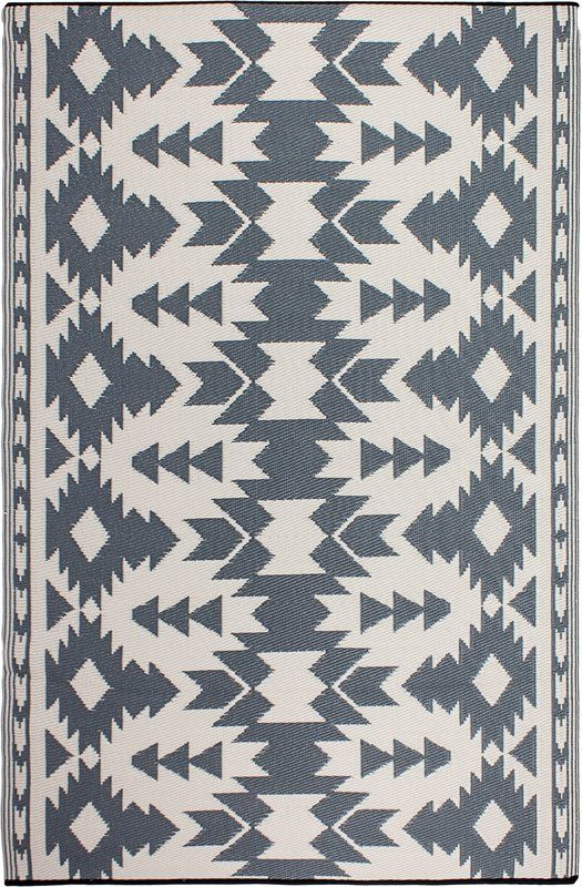 These Beautifully Crafted Rugs Are Made Following The Fair Trade Principles Union Rustic Rugs Add A Touch Of Elegance Fab Habitat Outdoor Rugs Reversible Rug