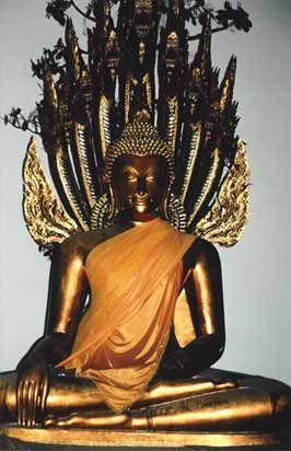 photos of antique buddahs from cambodia | Reclining Buddha Wat Pho