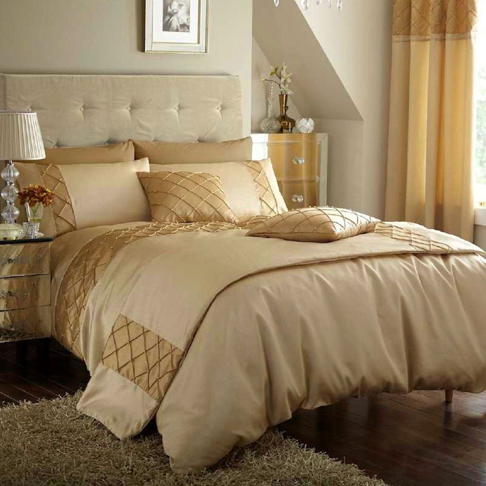 Beige and gold bedroom Gold bed, Bed, Floral bedding