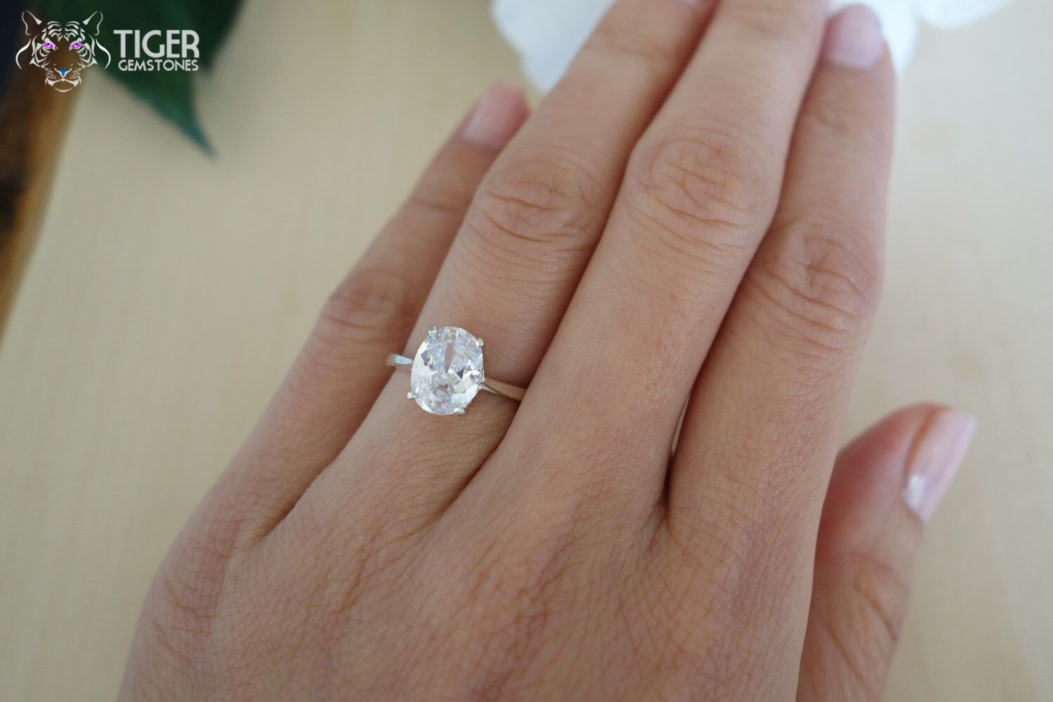 five cut women blog asscher ring diamond carat nl white eternity prong band floating gold round stone for in wg bands