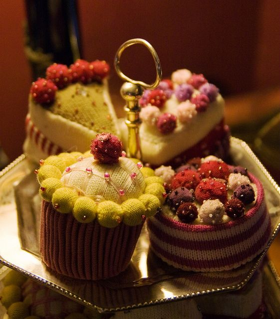 Knitted Tea Cakes