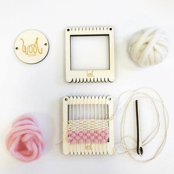 Beginners learn to weave. MINI ME Circular Looms Mini Weaving Loom Learn to weave tapestry
