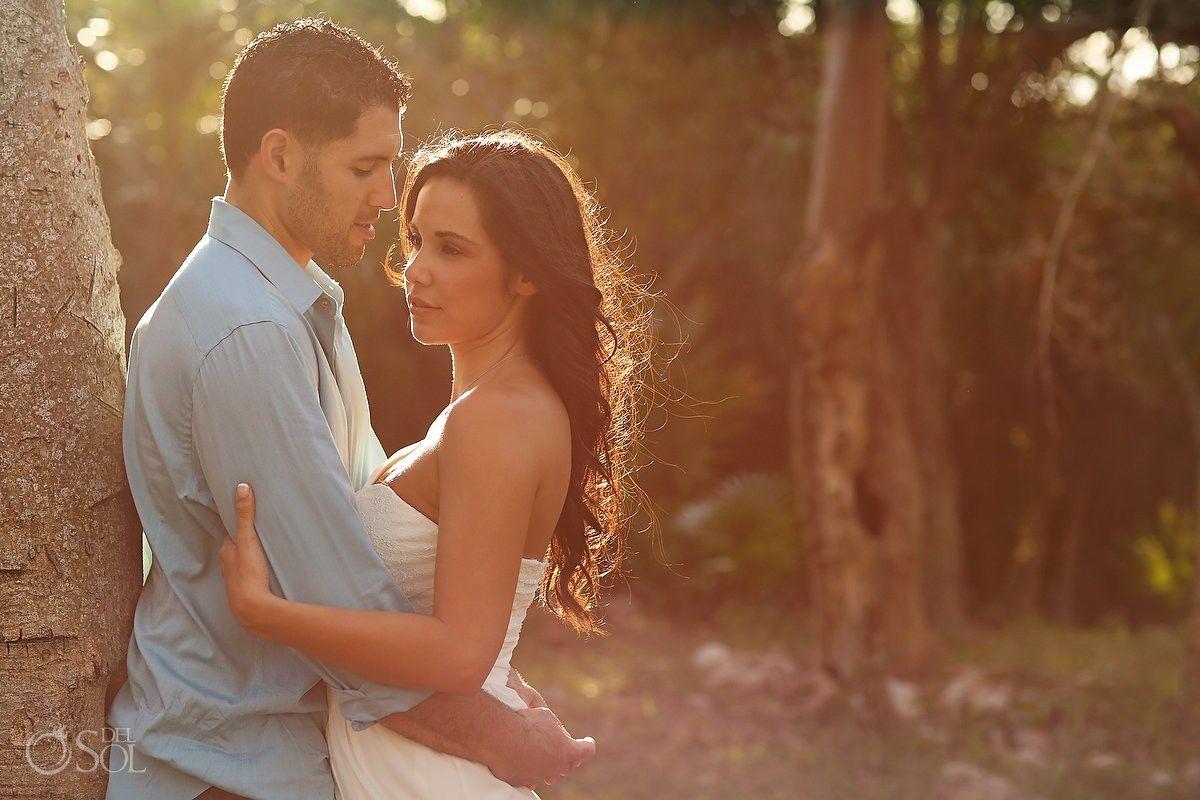 Riviera Maya photography, romantic bridal portraits in Playa del Carmen.  Mexico wedding photographers Del Sol Photography