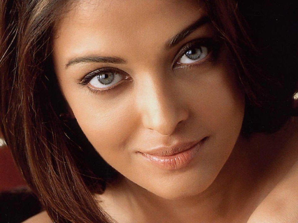 Top 10 Most Beautiful Eyes From Women Around The World -9468