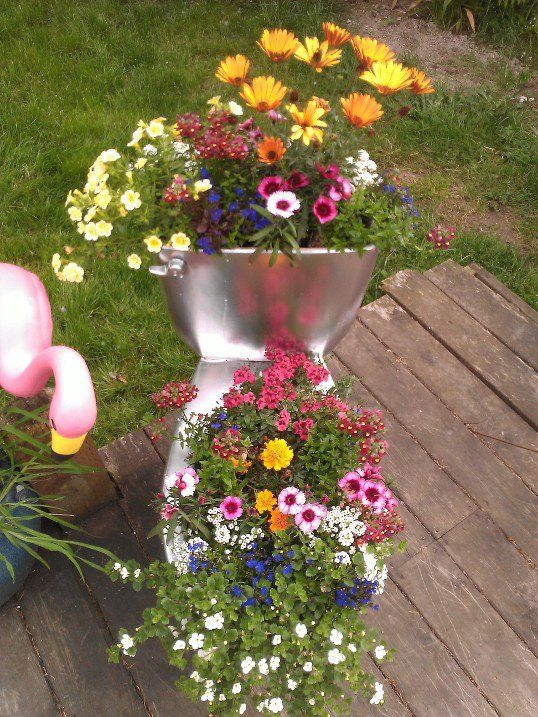 Pin By Audry Henniger On Repurpose Flower Planters Flower Pots Mosaic Garden